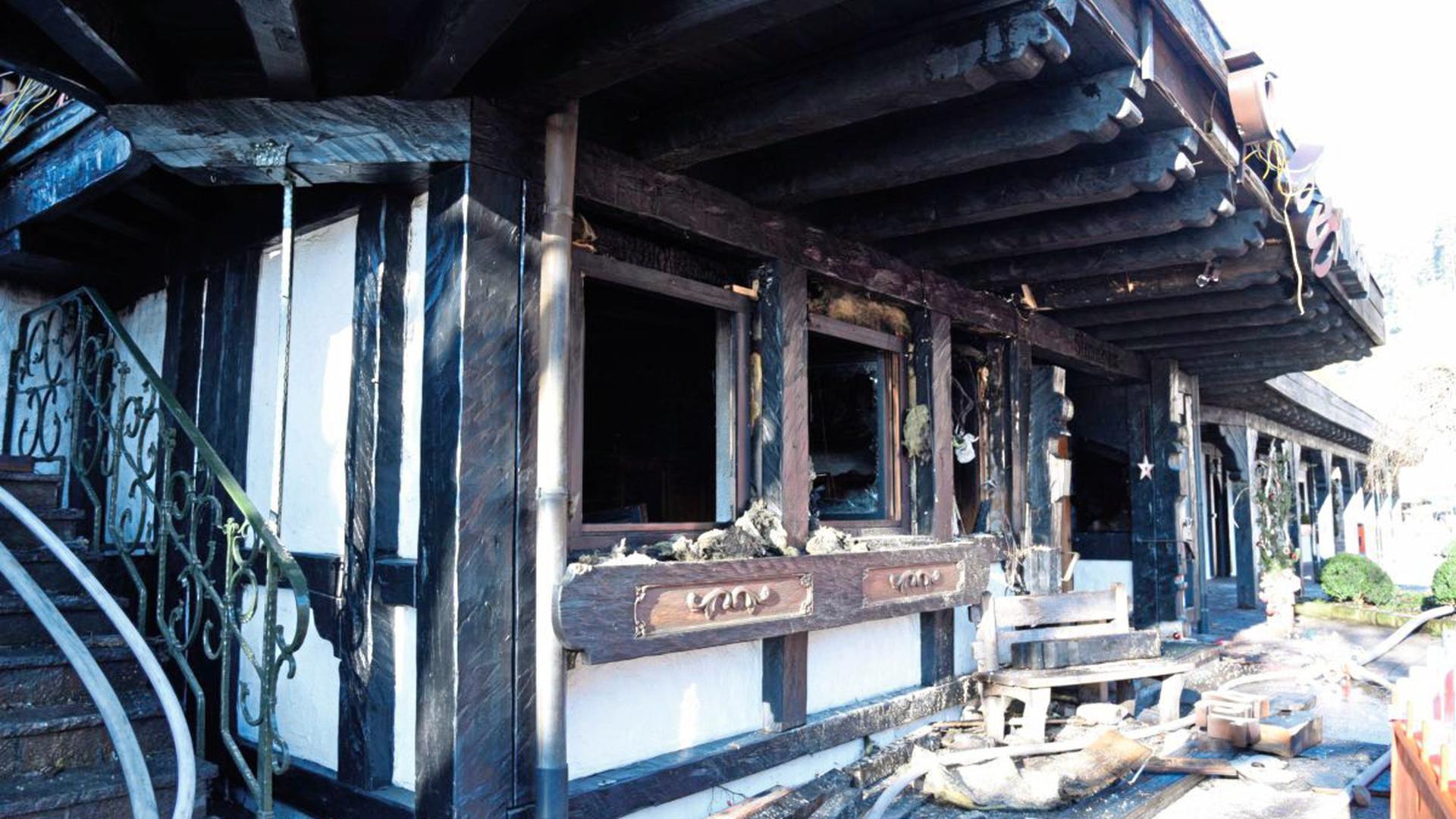 """Die Ruine der """"Schwarzwaldstube"""" ist einsturzgefährdet."""