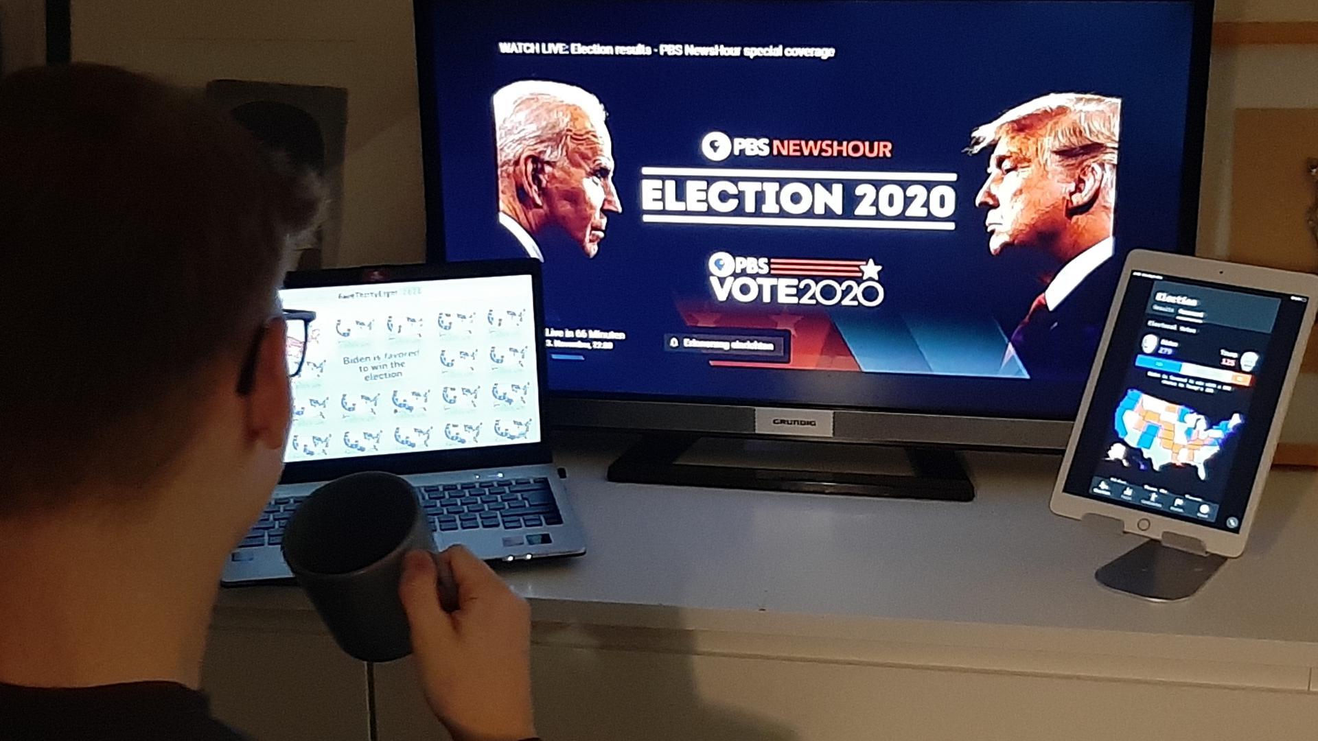Spannende Wahlnacht: Mt sehr viel Kaffee und sehr viel Information auf unzähligen Kanälen haben viele Menschen in der Region, vor allem Amerikaner, die Wahlnacht verfolgt.