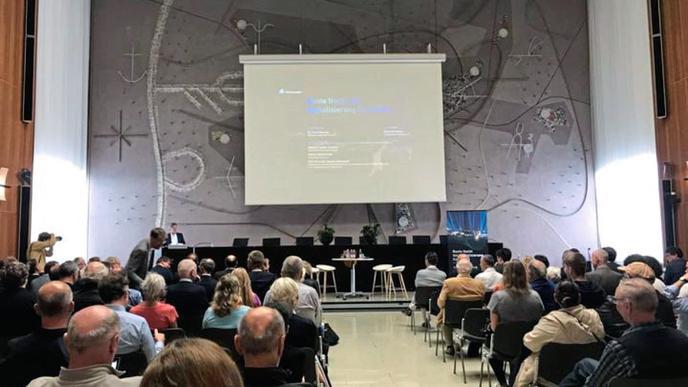Gut gefüllte Plätze bei der Eröffnung im Karlsruher Rathaus.