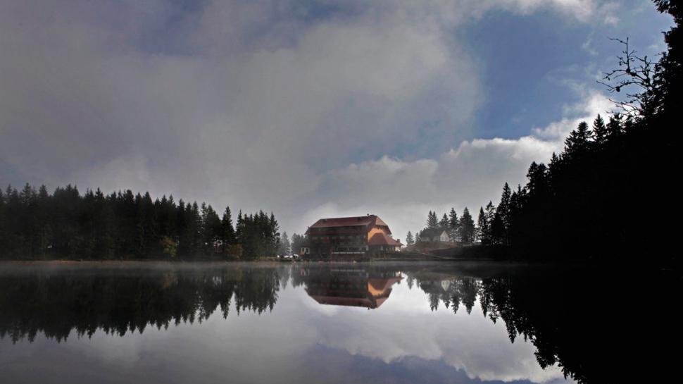 Am Freitag spielen die Stuttgarter Saloniker ein romantisches Seenachtskonzert am Mummelsee.