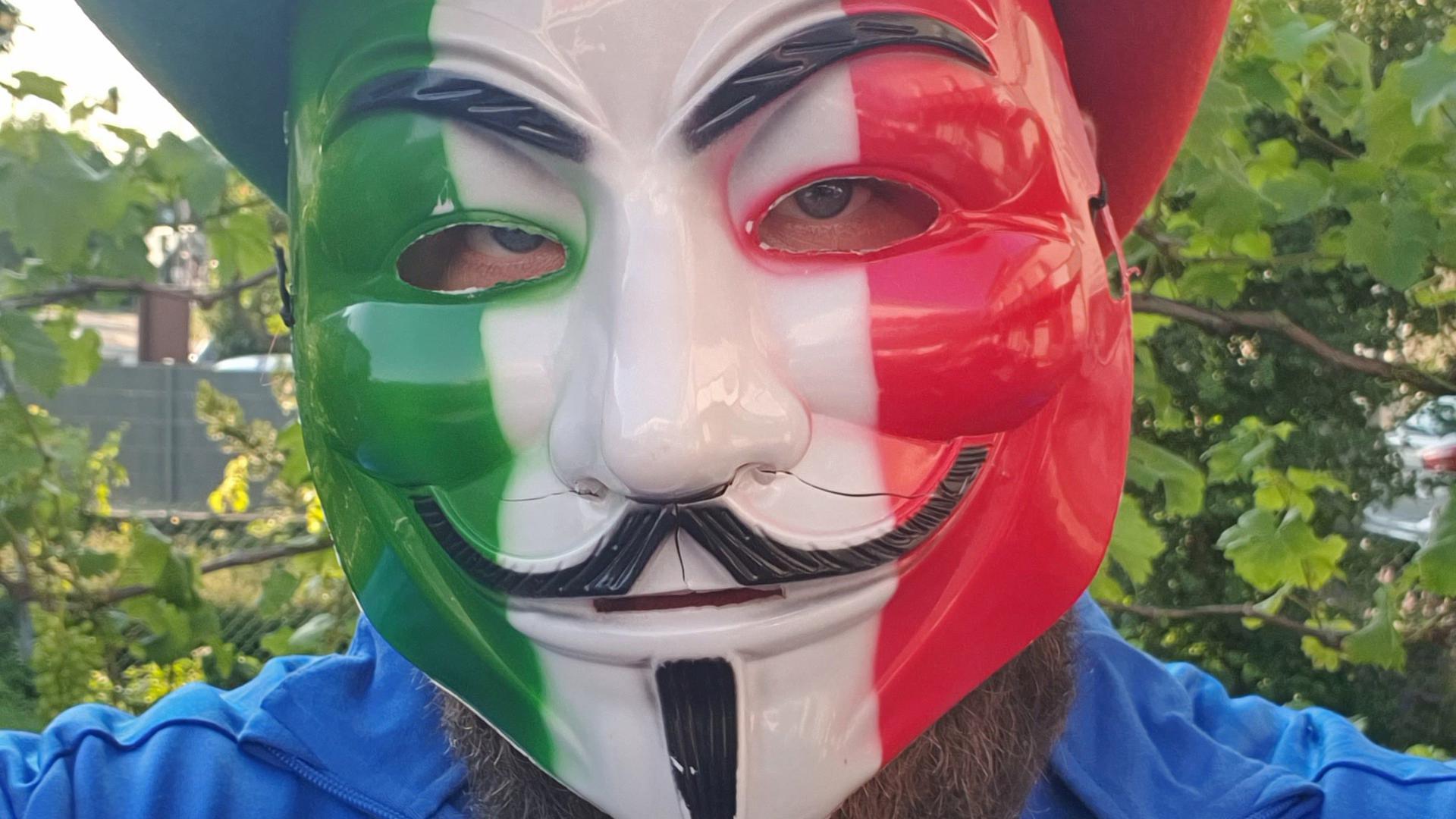 Italien Fan mit Maske
