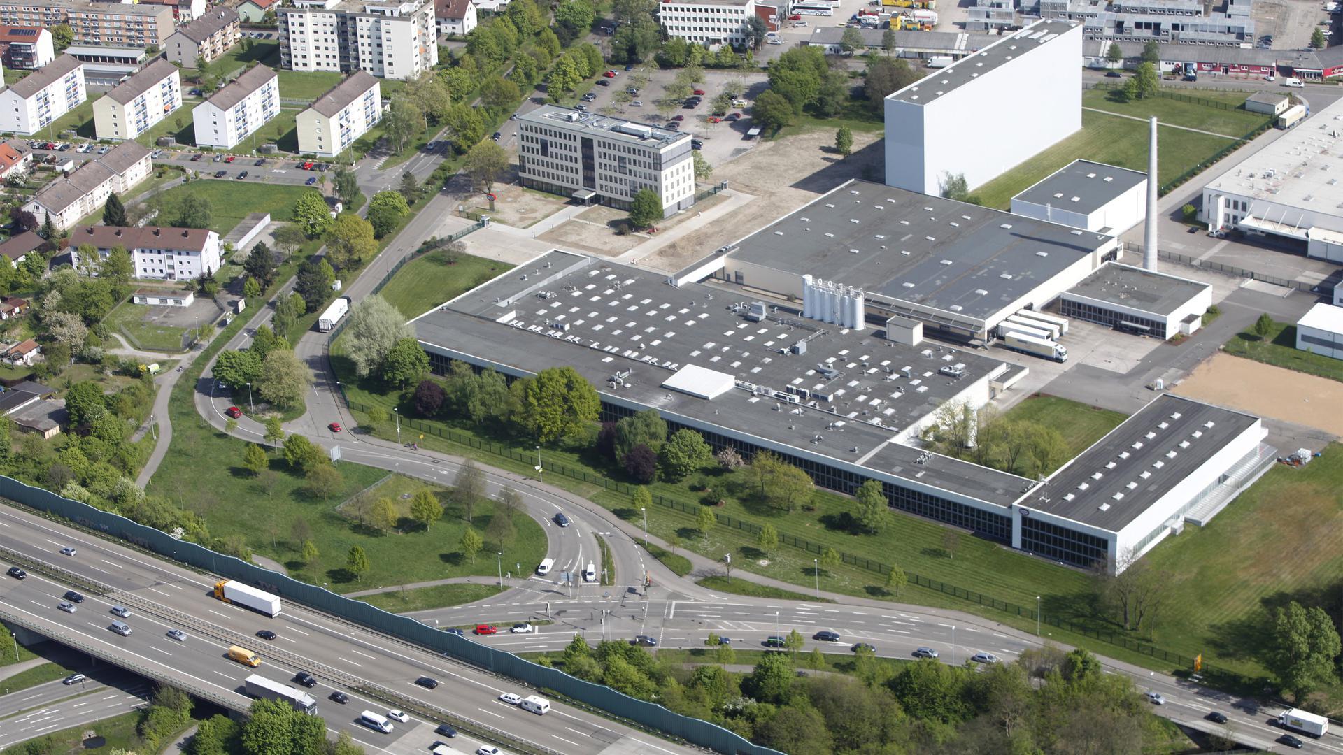 Müssen tiefer in die Tasche greifen: Von den Steuererhöhungen sind vor allem Gewerbetreibende wie hier im Industriegebiet Ettlingen-West nahe der Autobahn 5 betroffen.