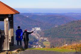 Blick von der Schweizerkopfhütte auf Bad Herrenalb Tourismus Bad Herrenalb, Schwarzwald