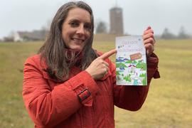 Für Birgit Jennerjahn-Hakenes ist der Dobel ein ganz besonderer Glücksort. Daher beschreibt sie in ihrem Reiseführer auch vier besondere Orte der Gemeinde, die zum Entdecken einladen.