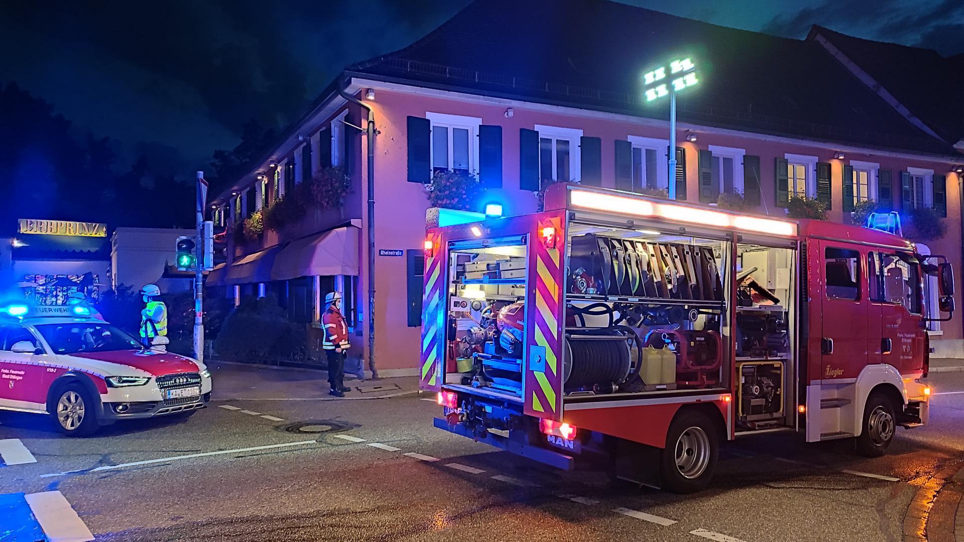 """In Ettlingen ist die Feuerwehr zu einem Brand im """"Erbprinz"""" ausgerückt."""