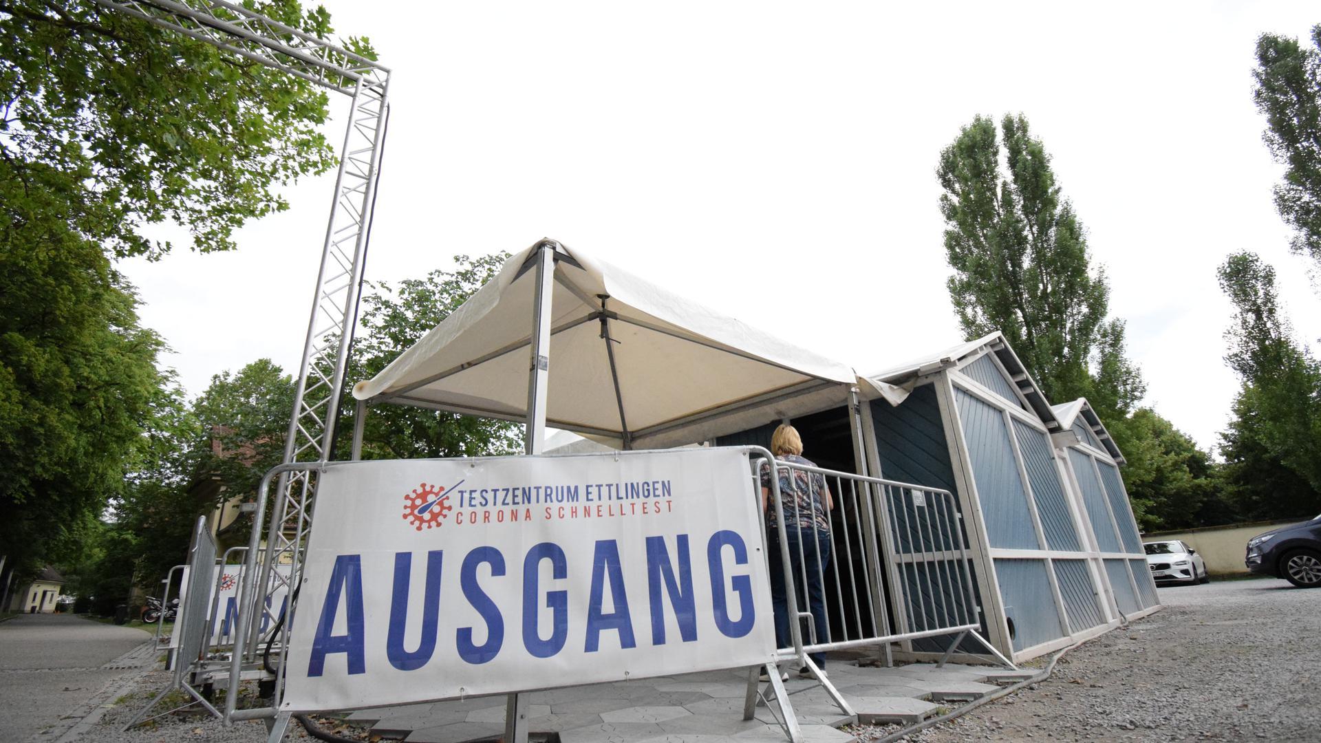 Testmöglichkeit: Auf dem ehemaligen Kasernengelände in Ettlingen kann man einen kostenlosen Corona-Schnelltest machen.