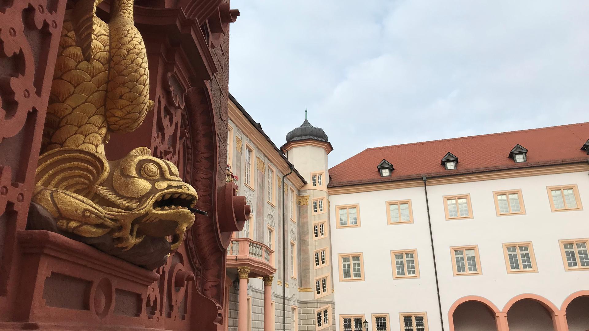 Der Startpunkt: Der Rundgang beginnt im Innenhof des Ettlinger Schlosses.
