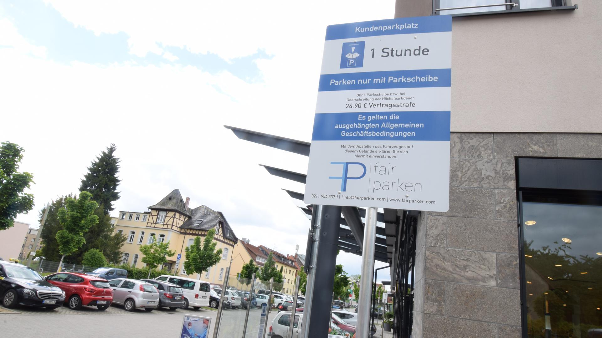 Ohne Parkscheibe 25 Euro Strafe: Firma kontrolliert vor