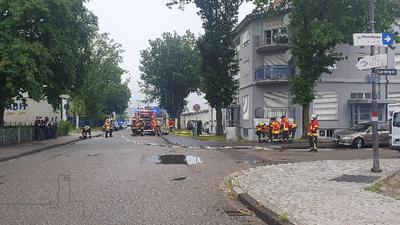 Feuerwehr bei haus