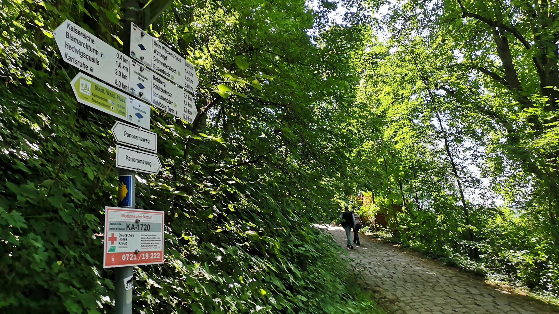 Schildertafel in Ettlingen im Wald