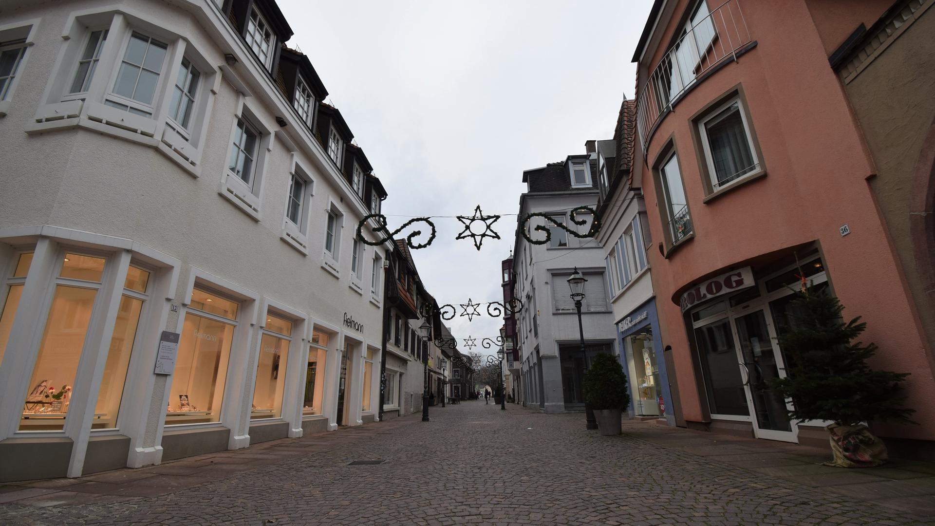Wie leergefegt: Die Ettlinger Leopoldstraße am zweiten Samstag nach Weihnachten.