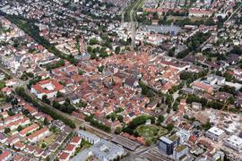 ©ARTIS-Uli Deck// 22.07.2015 Luftbild Innenstadt von Ettlingen -Copyright -ARTIS-ULI DECK Werrabronner Strasse 19  D-76229 KARLSRUHE TEL:  0049 (0) 721-84 38 77  FAX:  0049 (0) 721 84 38 93   Mobil: 0049 (0) 172 7292636 E-Mail:  deck@artis-foto.de www.artis-foto.de Steuernummer 34134/43594 Veroeffentlichung nur gegen Honorar nach MFM zzgl. ges. Mwst. (derzeit 7%) , Belegexemplar und Namensnennung. Es gelten meine AGB.
