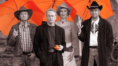 4 Leute drei mit Schirm