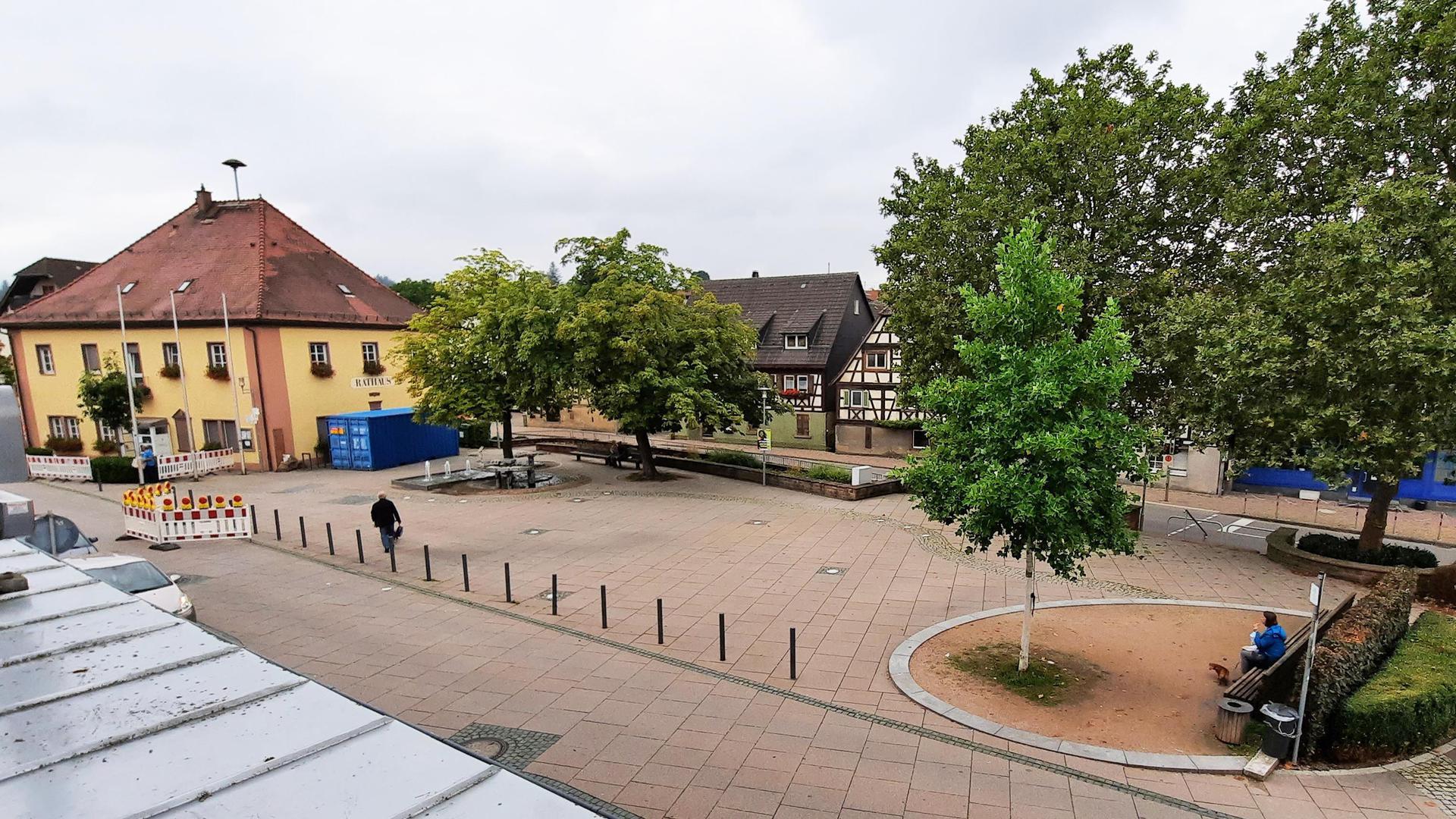 Zentrum der Gemeinde: Langensteinbach ist heute der größte Ortsteil von Karlsbad. Im dortigen Rathaus ist auch die Gemeindeverwaltung untergebracht.