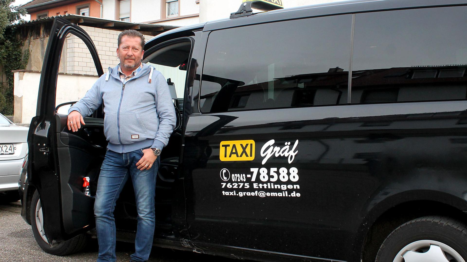 Taxi Gräf und Fahrer