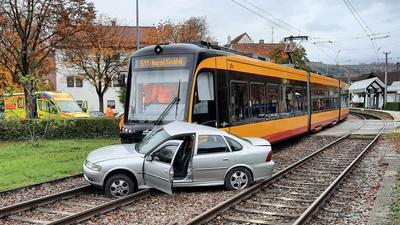 Unfall Straßenbahn Auto