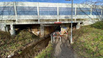 Bahnüberführung und Beierbach-Durchgang