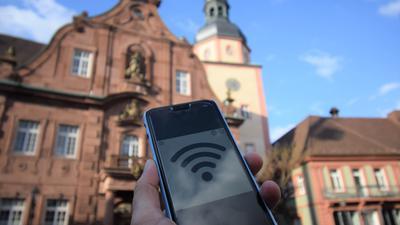 Besser vernetzt: Ganz oben auf der Prioritätenliste der Bewerber für die Jugendgemeinderat steht der WLAN-Ausbau in der Ettlinger Altstadt. (Symbolbild)