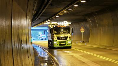 Fahrzeug im Tunnel