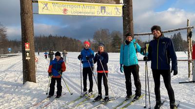 Das Paradies für Langläufer weiß auch Familie Kreuss aus Rüppur mit ihren Kindern Tim, Jule und Lina zu schätzen.