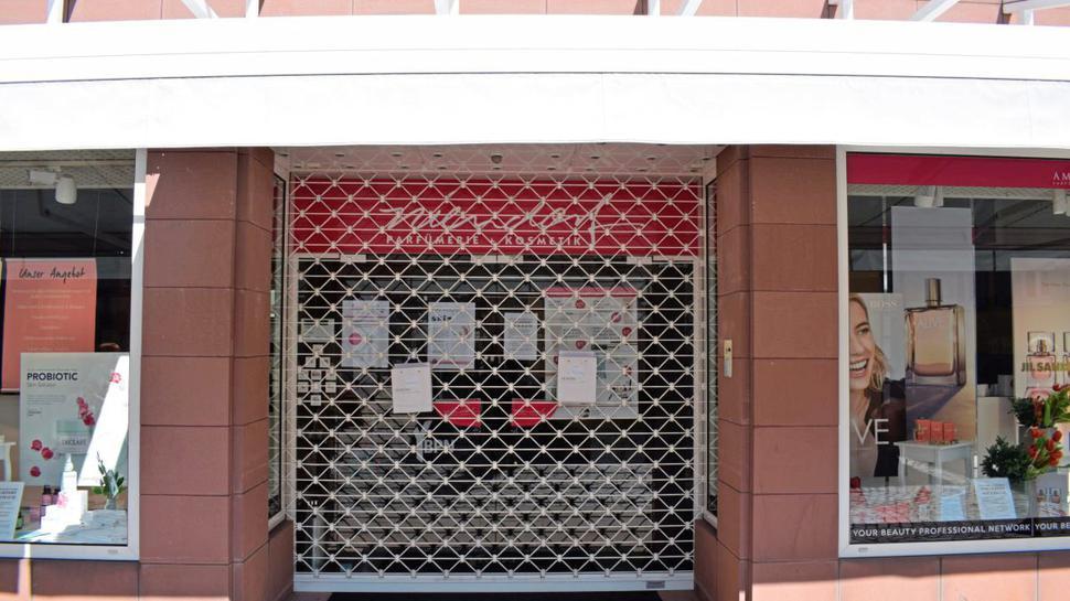 Die Läden runtergeklappt haben in Ettlingen am Mittwoch zahlreiche Läden.