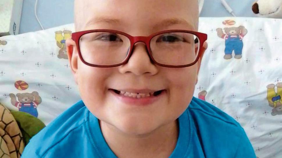 Der sechsjährige Julian ist an Leukämie erkrankt. Eine Knochenmarkspende könnte ihm helfen.