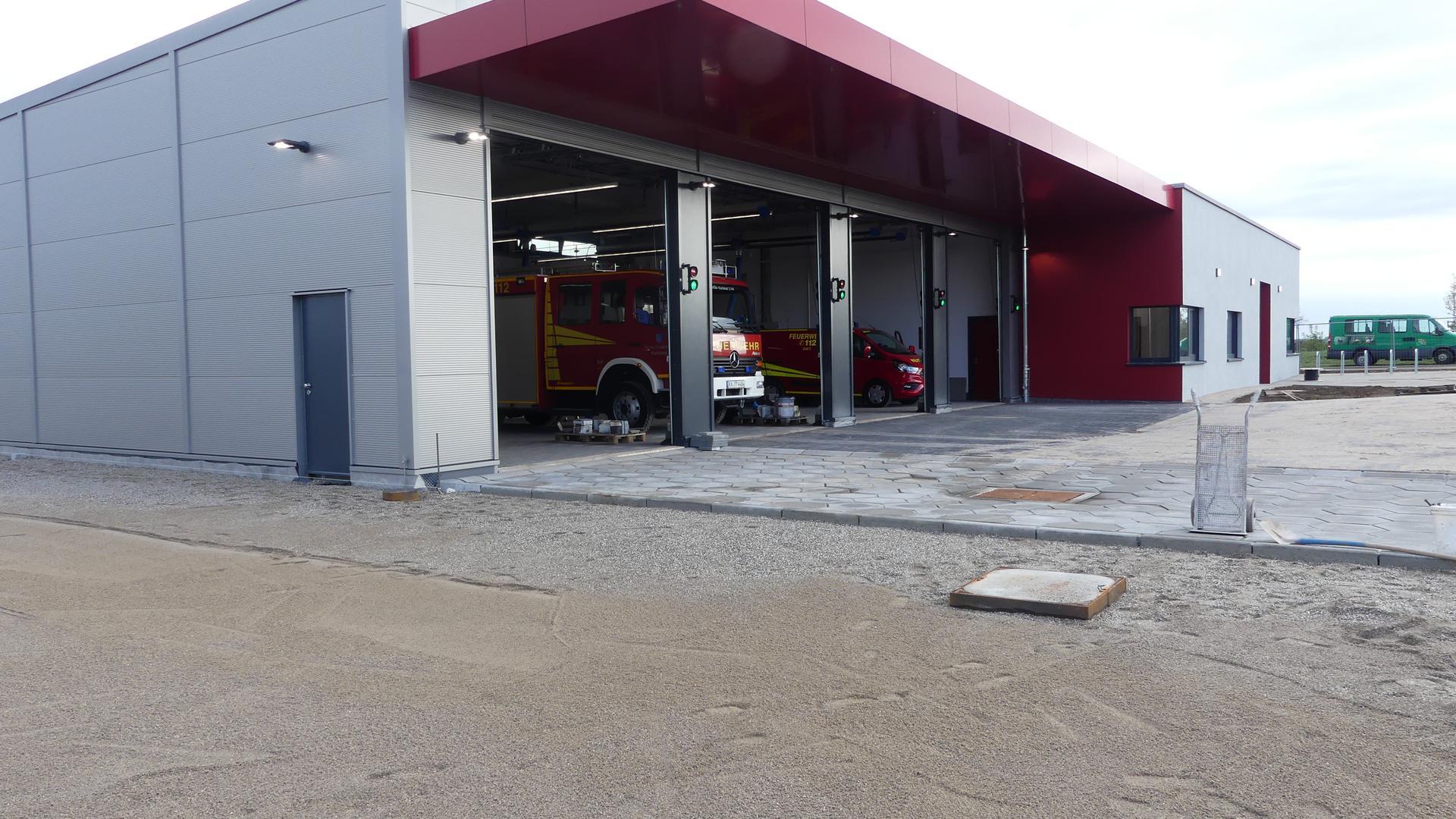 Blick auf das neue Feuerwehrgerätehaus in Ittersbach, das Ende November übergeben werden soll.