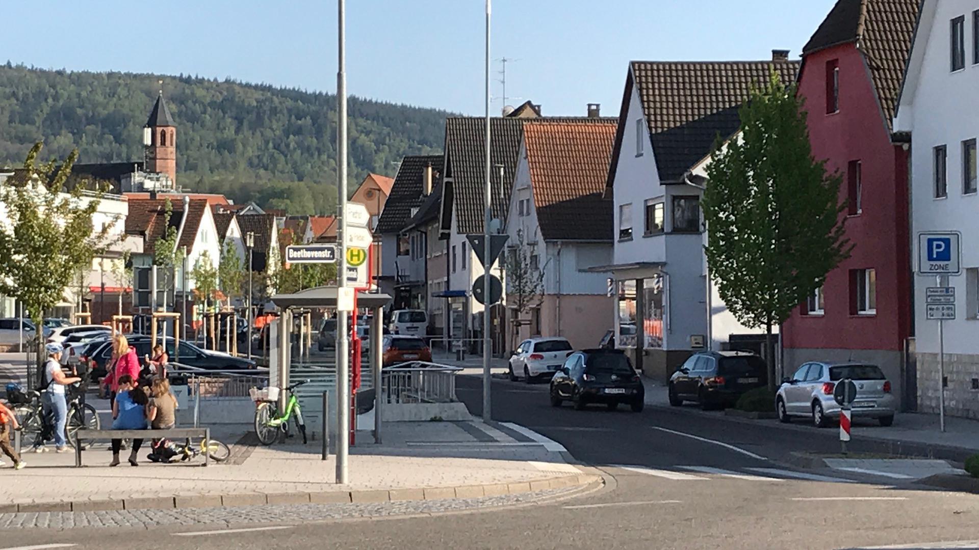 Dorfstraße im Ortszentrum