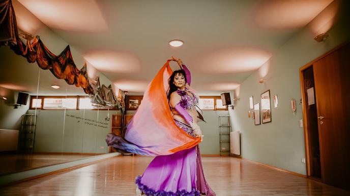 Ayasha Alexandra Bechler bietet in ihrem Tanzstudio Orientalia in Malsch unter anderem Bauchtanz-Kurse an.