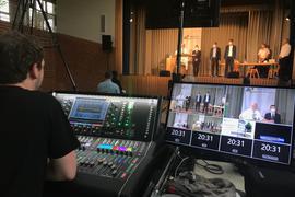 Übertragung Technik mit Blick auf die Bühne