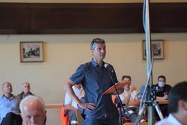 Fragerunde: Bei der Kandidatenvorstellung im Klosterhof Völkersbach fühlten die Bürger den drei Bewerbern für das Bürgermeisteramt auf den Zahn.