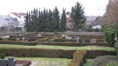 Ehemaliges Ruhrgräberfeld auf dem Friedhof Malsch, welches 1952 geräumt wurde.