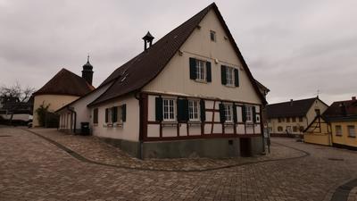 Das alte Feuerwehrhaus in Sulzbach grenzt direkt an die Ortsverwaltung an