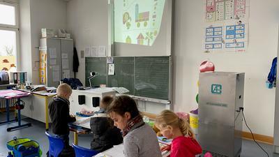 Für saubere Luft: Graue Kästen wie der in dieser Aufnahme aus einem Klassenzimmer der Malscher Hebelschule sollen bald in allen Malscher Schulen stehen.