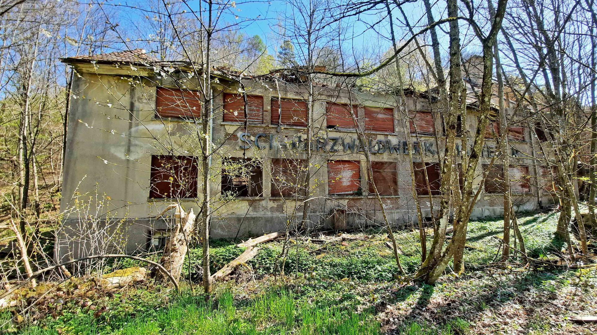 Verwunschener Ort: Das Schwarzwaldwerk Mauterer liegt recht versteckt im Waldprechtstal. Bis Anfang der 1990er Jahre wurde in der Fabrik unter anderem Schokolade produziert.