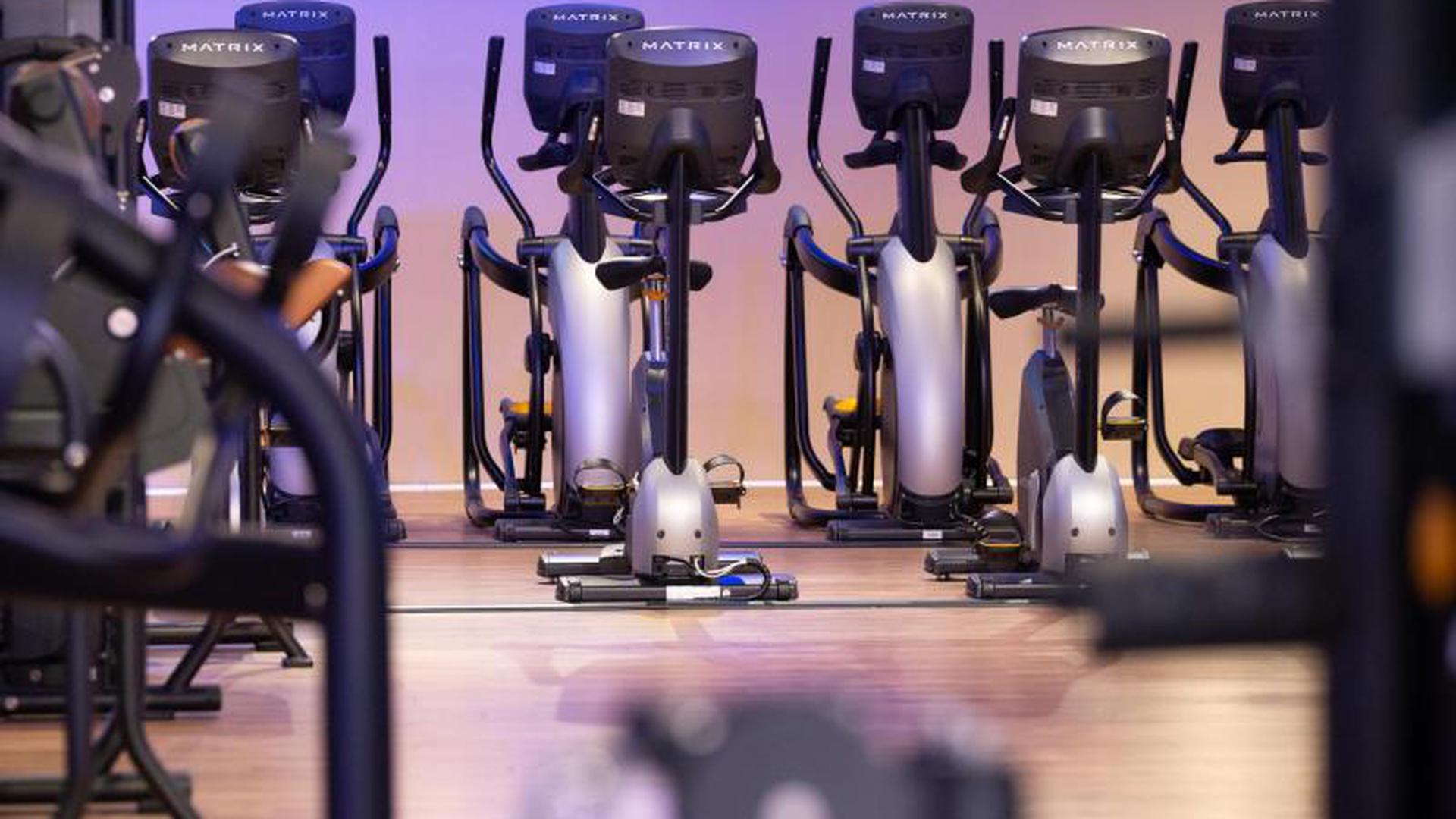 Fitnessstudios Wollen Nach Corona Schliessung Schnell Wieder Offnen