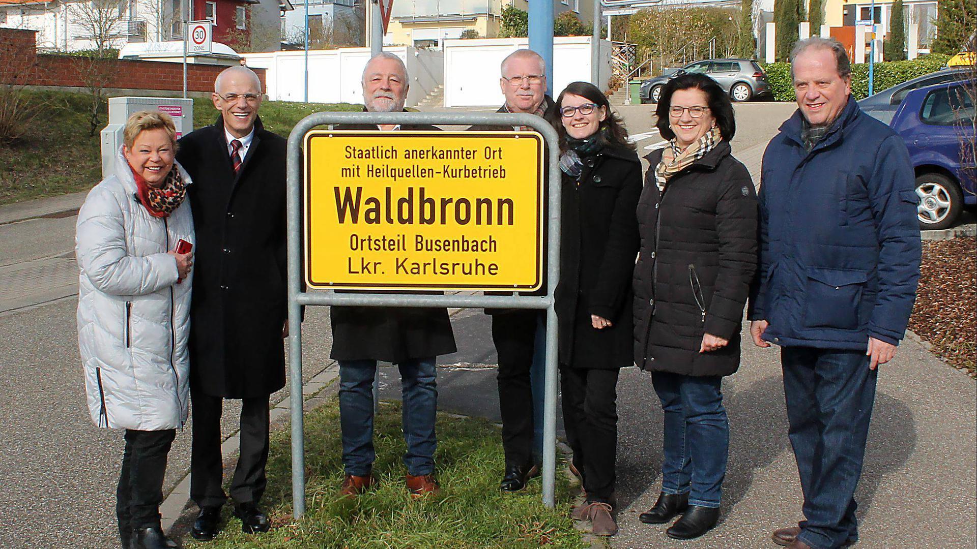 """Den Zusatz """"Staatlich anerkannter Ort mit Heilquellen-Kurbetrieb"""" dürfen seit März 2020 die Schilder am Ortseingang von Waldbronn tragen – allerdings nicht im Ortsteil Etzenrot. (Archiv)"""