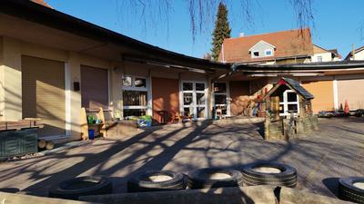 Außenansicht des Kindergartens St. Bernhard in Waldbronn-Etzenrot.