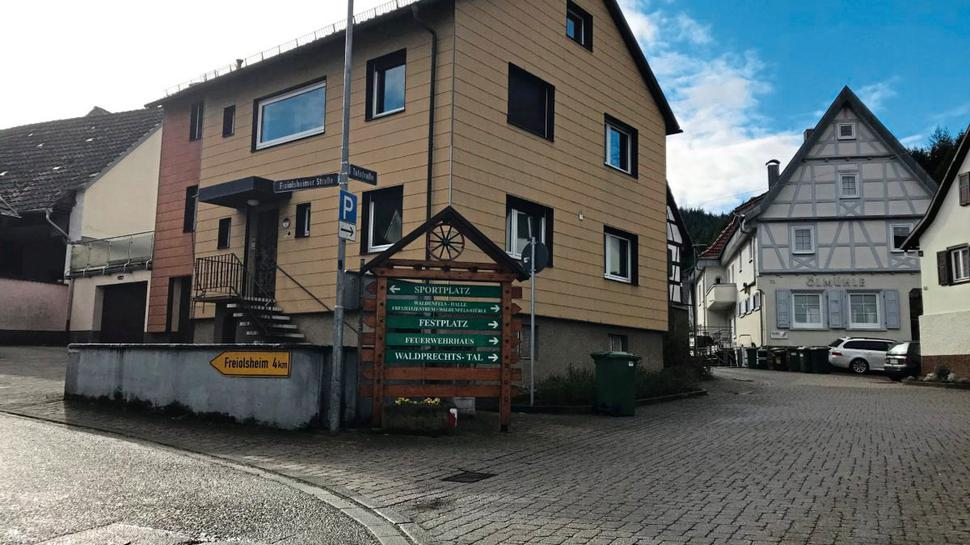 Als Beispiel für ihr Konzept hat sich die 27-Jährige den Ortsteil Waldprechtsweier herausgesucht. Dort gebe es genügend Nachverdichtungspotenzial, sagt sie.