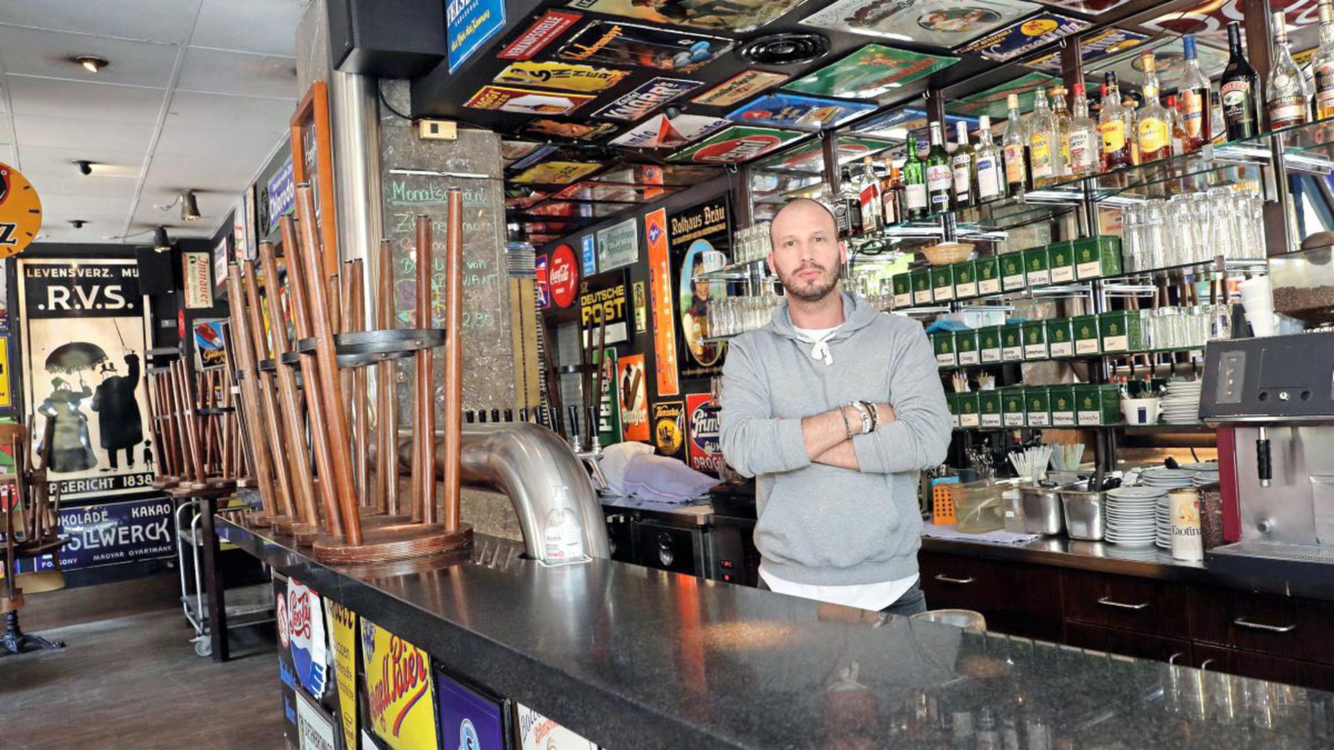 Markus Prikryl arbeitet als Betriebsleiter im Café Bleu. Warum es keine Lockerungen gab, kann er nicht verstehen.