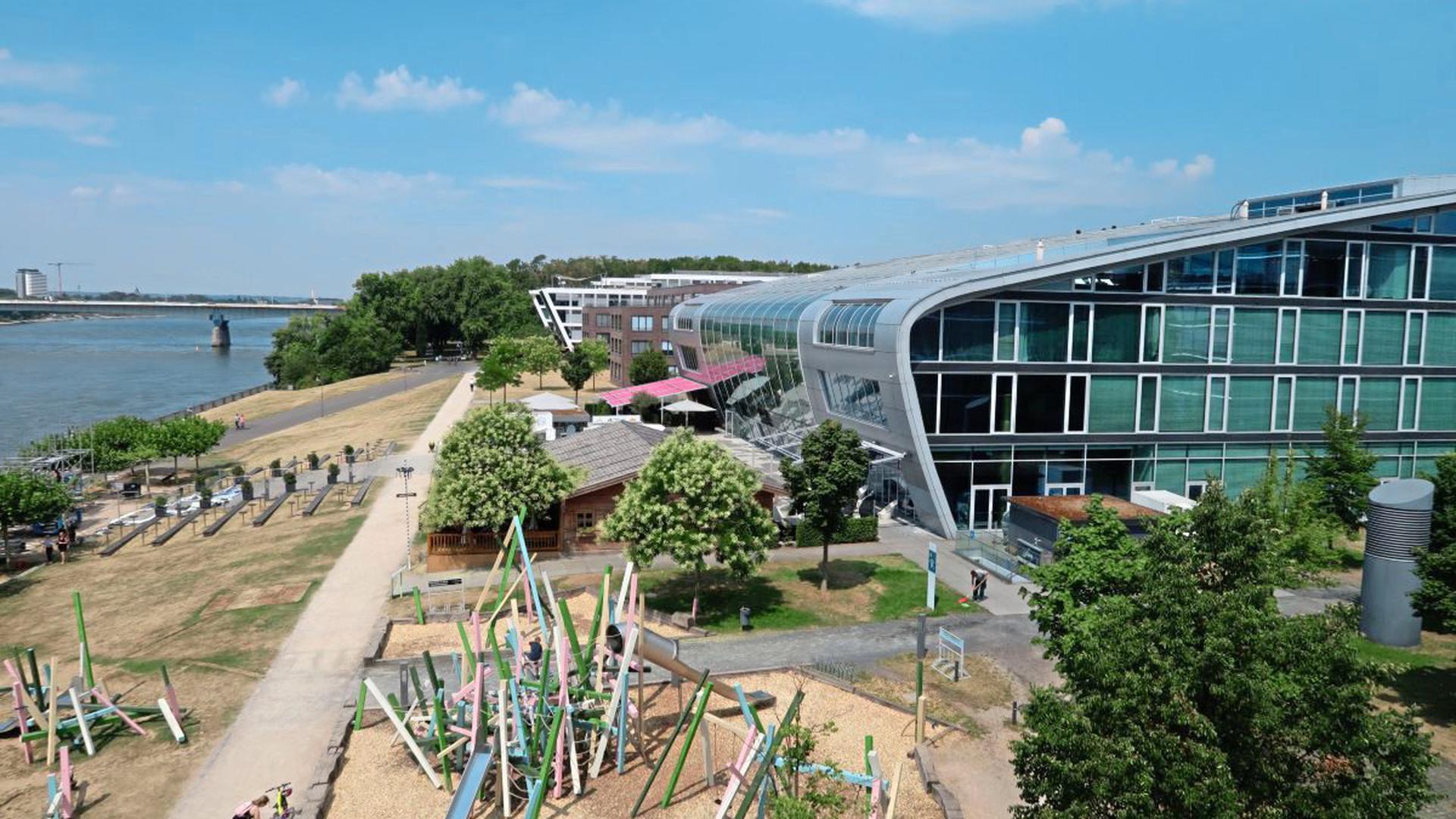 Der Aquiferspeicher am Bonner Bogen übernimmt bis zu 80 Prozent der Wärme- und Kälteversorgung von drei Gebäuden mit einer Gesamtfläche von 60.000 Quadratmetern.