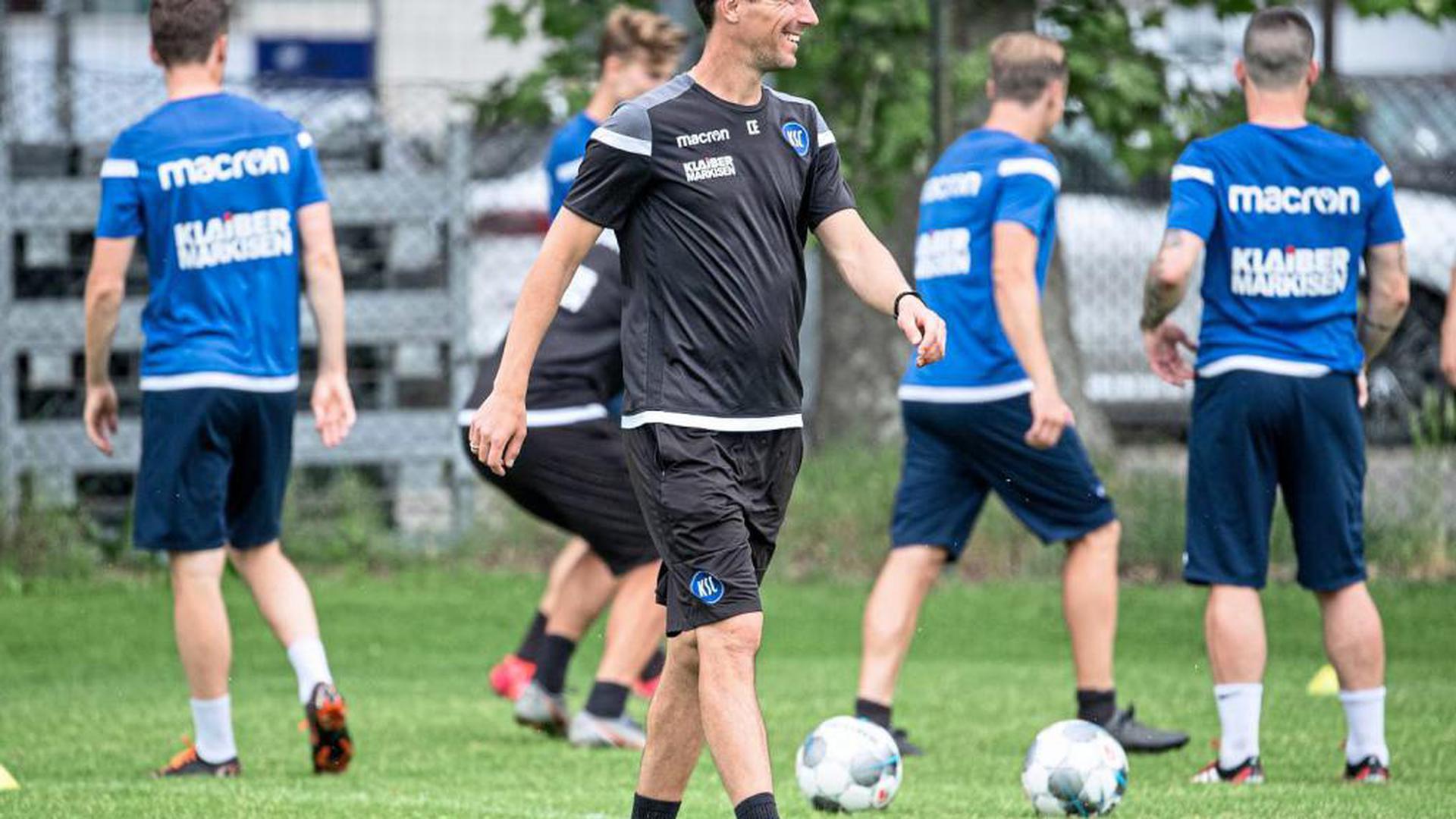 Bochum, Hannover, St. Pauli: Diese Gegner kommen auf die Mannschaft des Karlsruher Cheftrainers Christian Eichner während der anstehenden Englischen Woche zu.