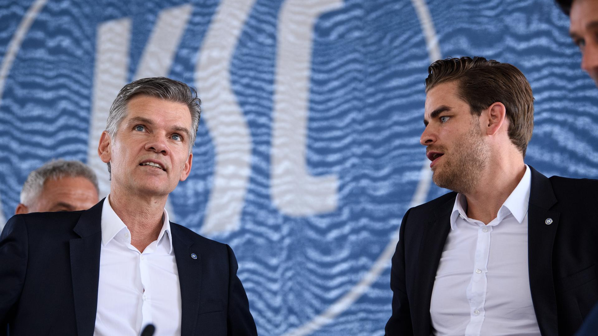 Einen Ausweg aus der finanziellen Notlage suchen KSC-Präsident Ingo Wellenreuther (links) und Geschäftsführer Michael Becker.