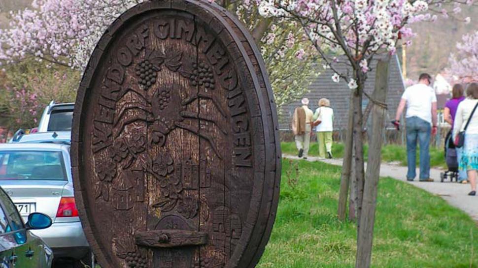 Der Ortsteil Gimmeldingen wird normalerweise an Mandelblütenfesttagen von Besuchern geflutet.