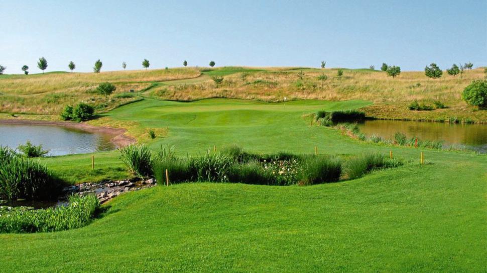 In herrlicher Umgebung kann der Gewinner oder die Gewinnerin unseres 38. Tagesrätsels beim Golfclub Bruchsal den Schläger schwingen.