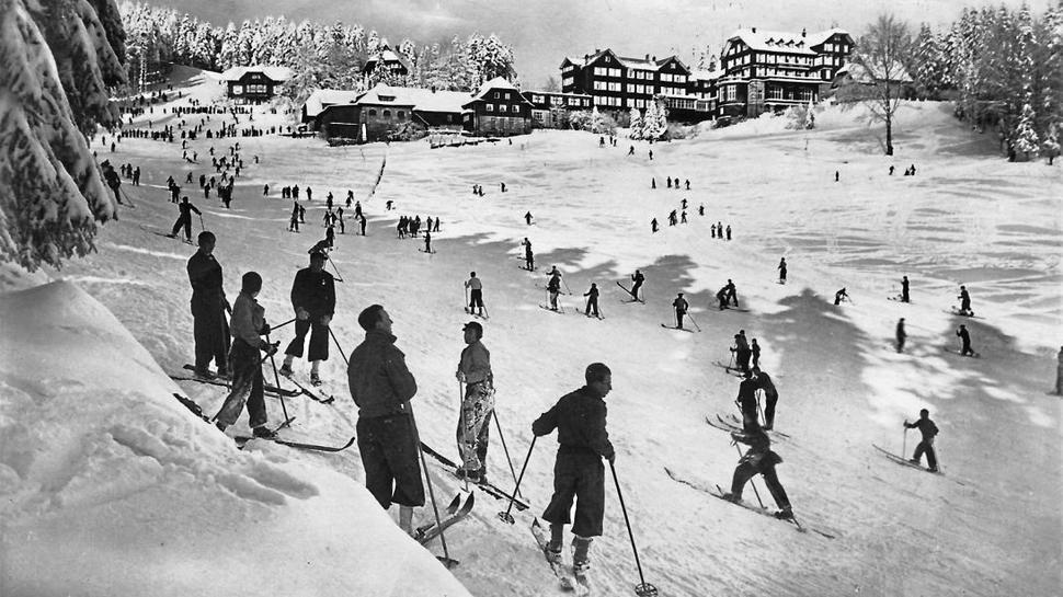 Skifahrer waren am Mehliskopf schon Ende der 20er-Jahre unterwegs. Das Foto zeigt den Hang am Hundseck – damals noch ohne Skilift.
