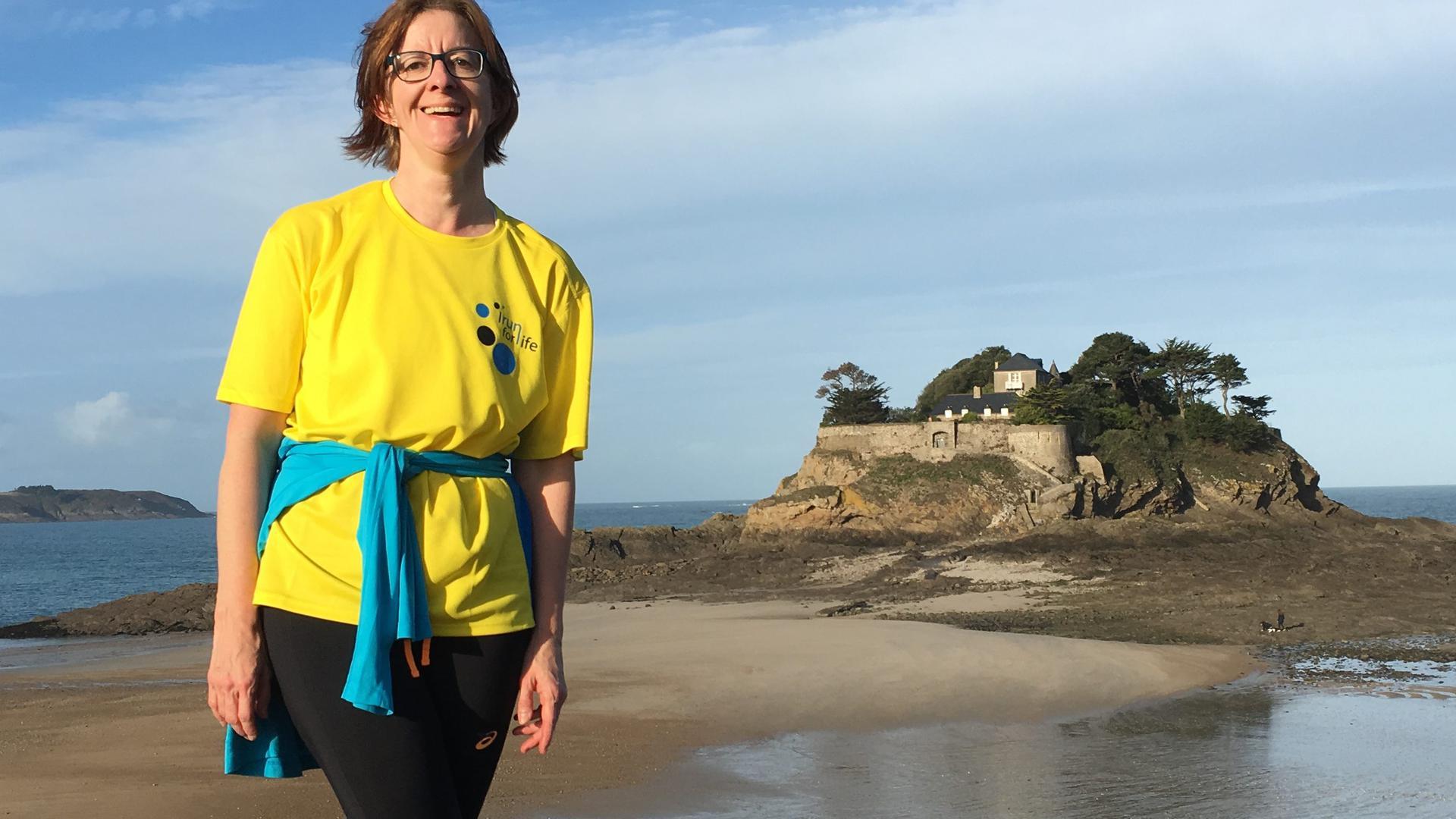 Sie bleibt trotz Corona optimistisch: Anne Ruellan - hier in einem früheren Frankreich-Urlaub - gibt Tipps, wie Betroffene die Erkrankung besser überstehen können.