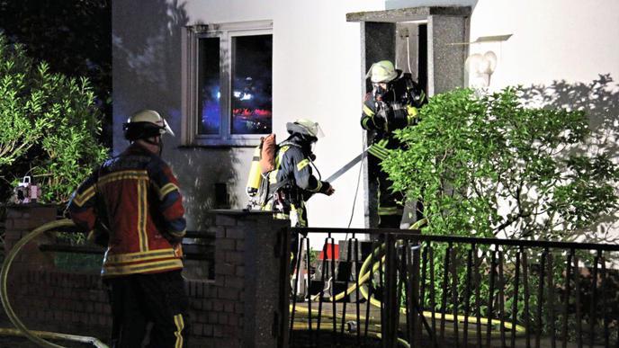 Laut Mitteilung ermittelt zurzeit die Kriminalpolizei in Bezug auf die Ursache des Feuers.