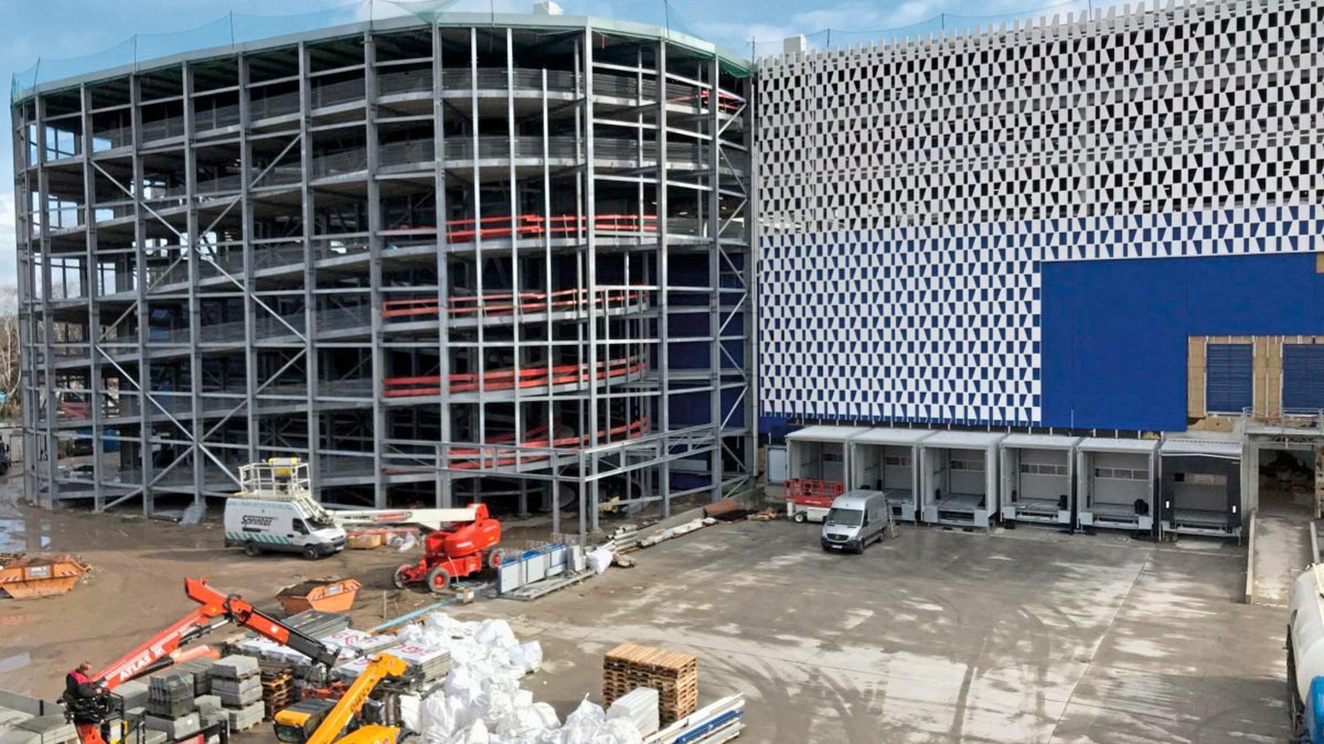 Baustelle Ikea Karlsruhe: Der Außenbereich ist noch besonders chaotisch.