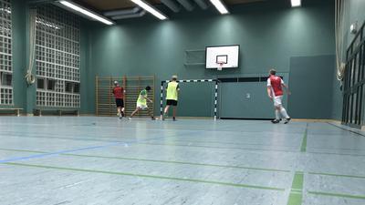 Besuch des Trainings im Karlsruher Jubez eines schwulen Fußballteams aus Karlsruhe vom Sportverein Uferlos